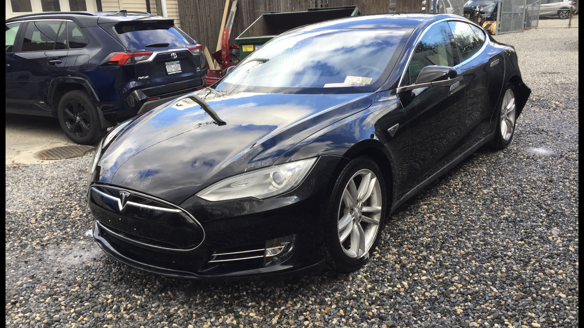 2012 Tesla model S 85, loaded, runs and drives, light damage to rear. $22,999 full